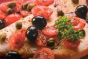 ricetta pesce spada con pomodorini capperi e olive nere