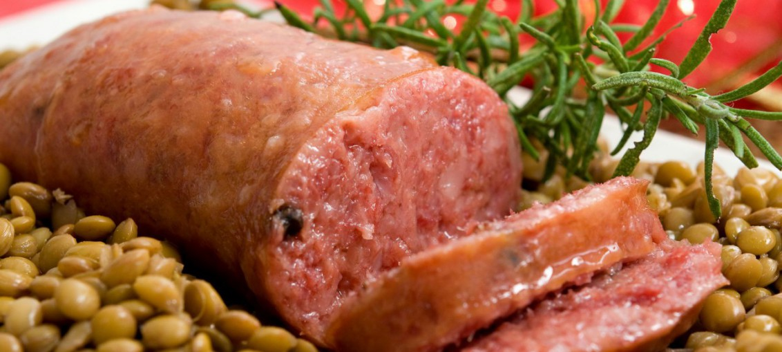 Image result for Cotechino con lenticchie