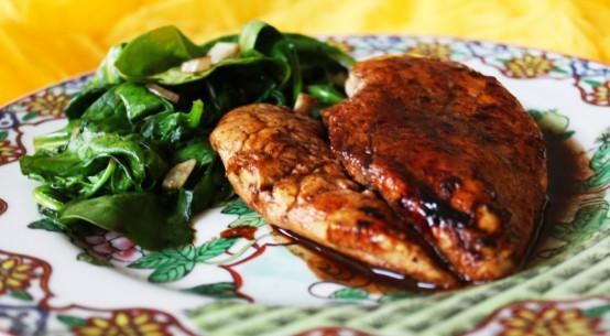 pollo al vino rosso con funghi champignons