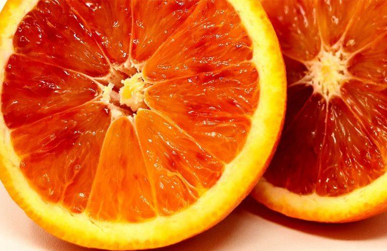 5 buoni motivi per mangiare le arance rosse